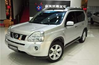 日产奇骏2010款2.0L 手动舒适版 4WD