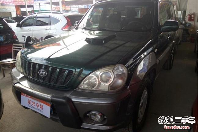 南宁-华泰特拉卡2006款2.4牌照二驱瑞虎3手动更换到挂胎上